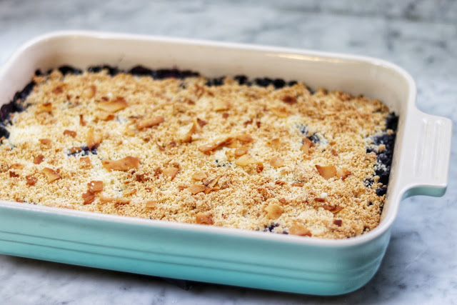 low carb dessert ideas: keto blueberry cream cheese crumble recipe