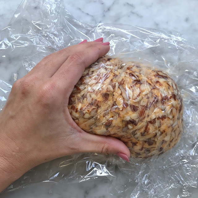 how to make an easy football cheese ball for a party appetizer