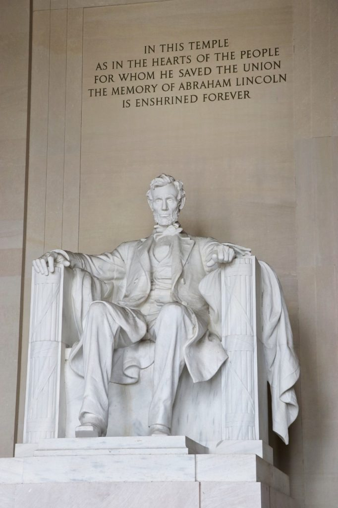 washington dc road trip itinerary recommendation: the Lincoln memorial