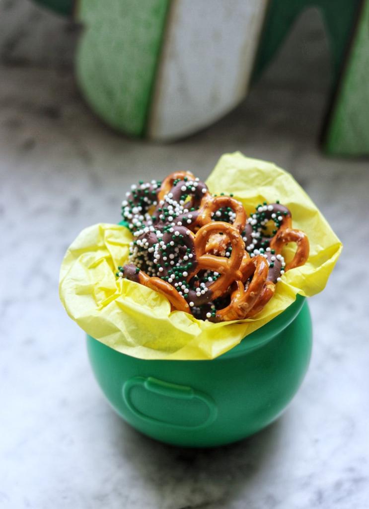 Kid-friendly St. Patrick's Day food ideas: St. Patrick's Day Pretzels