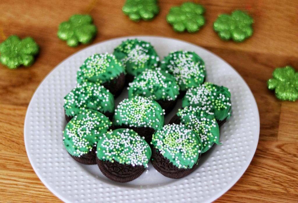 Easy St. Patrick's Day snacks for kids: St. Patrick's Day OREO Treats