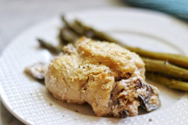 keto mushroom stuffed chicken breasts recipe - easy keto dinner ideas