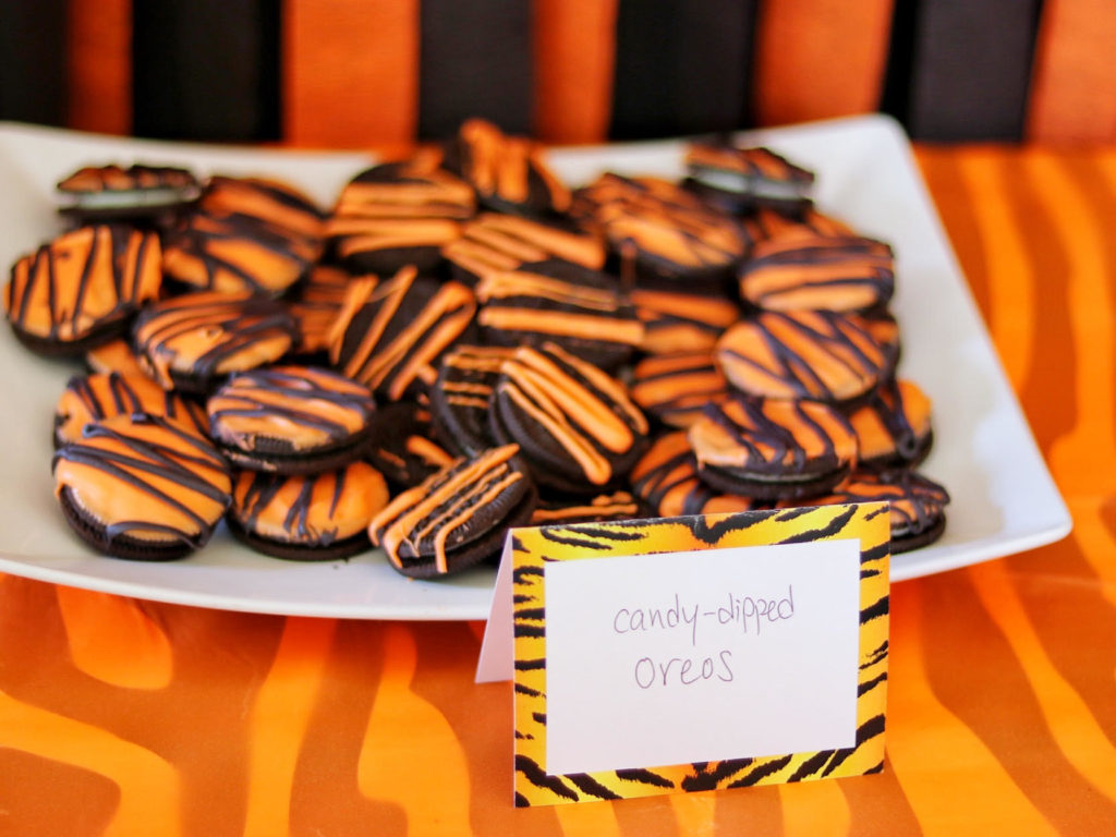 tiger striped oreos for an easy tiger themed party food idea