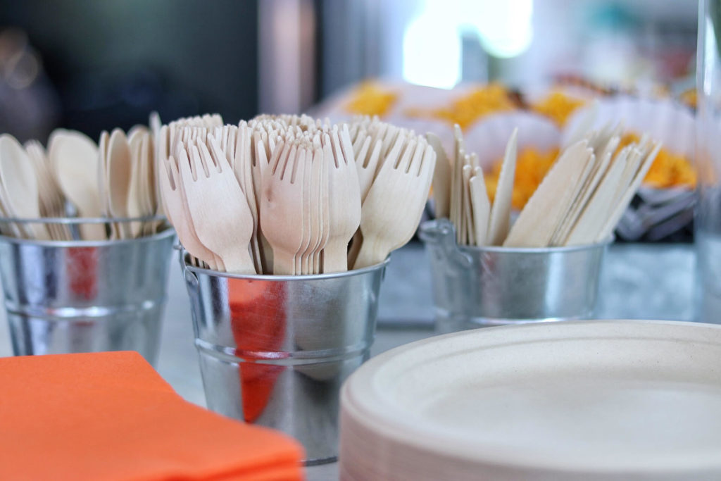 biodegradable and eco-friendly party supplies
