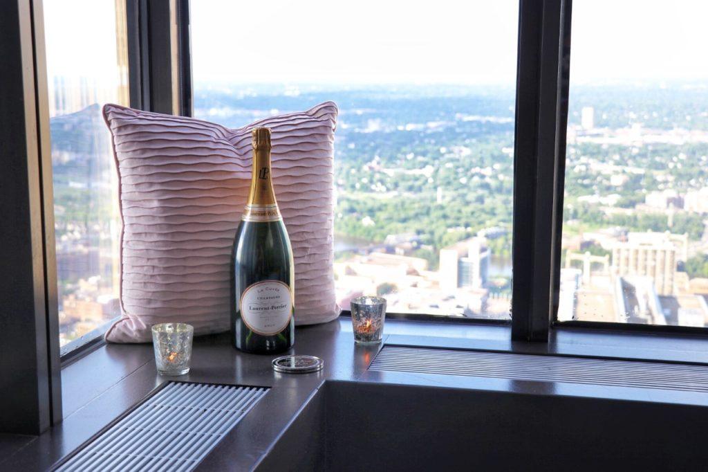 Windows on Minnesota boasts 360-degree views of the Minneapolis area and beyond
