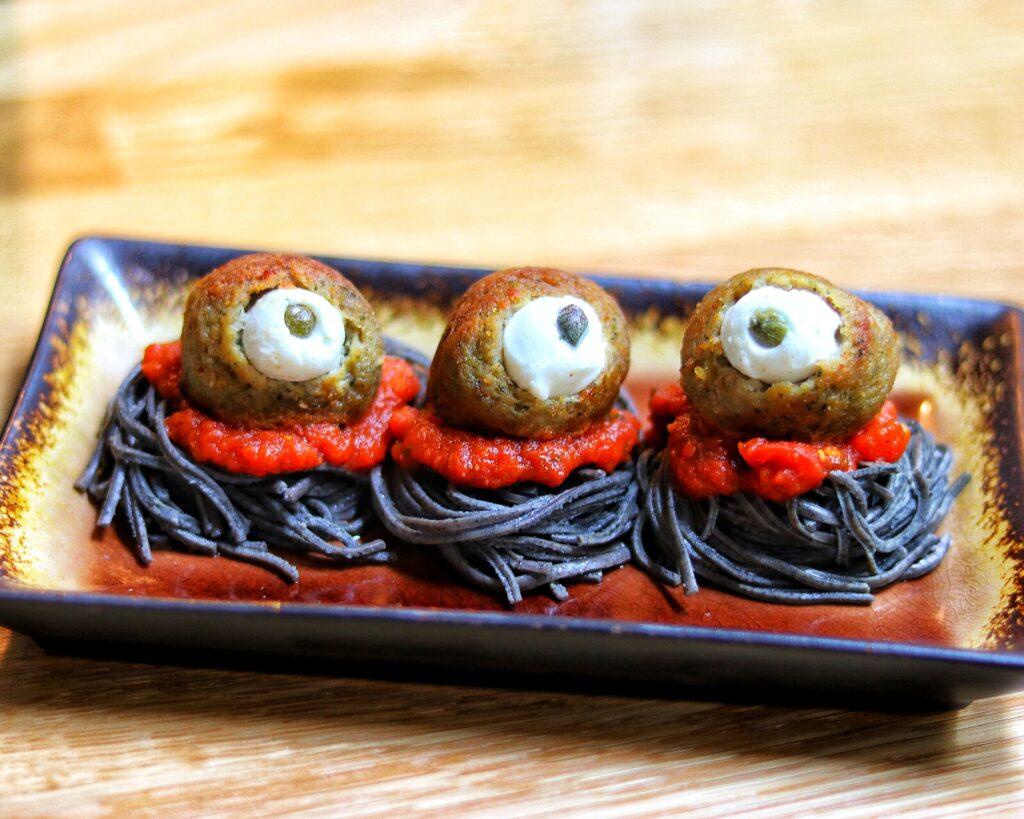 Easy Halloween party food idea: Spooky Spaghetti