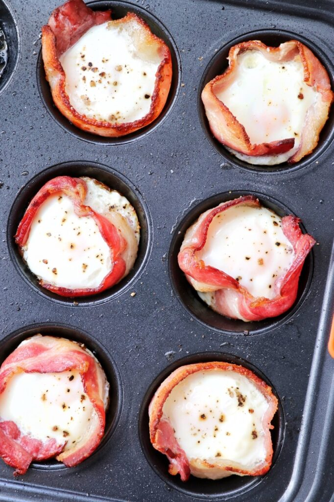 Easy Baked Bacon and Egg Bites - perfect family-friendly easy breakfast for meal prepping