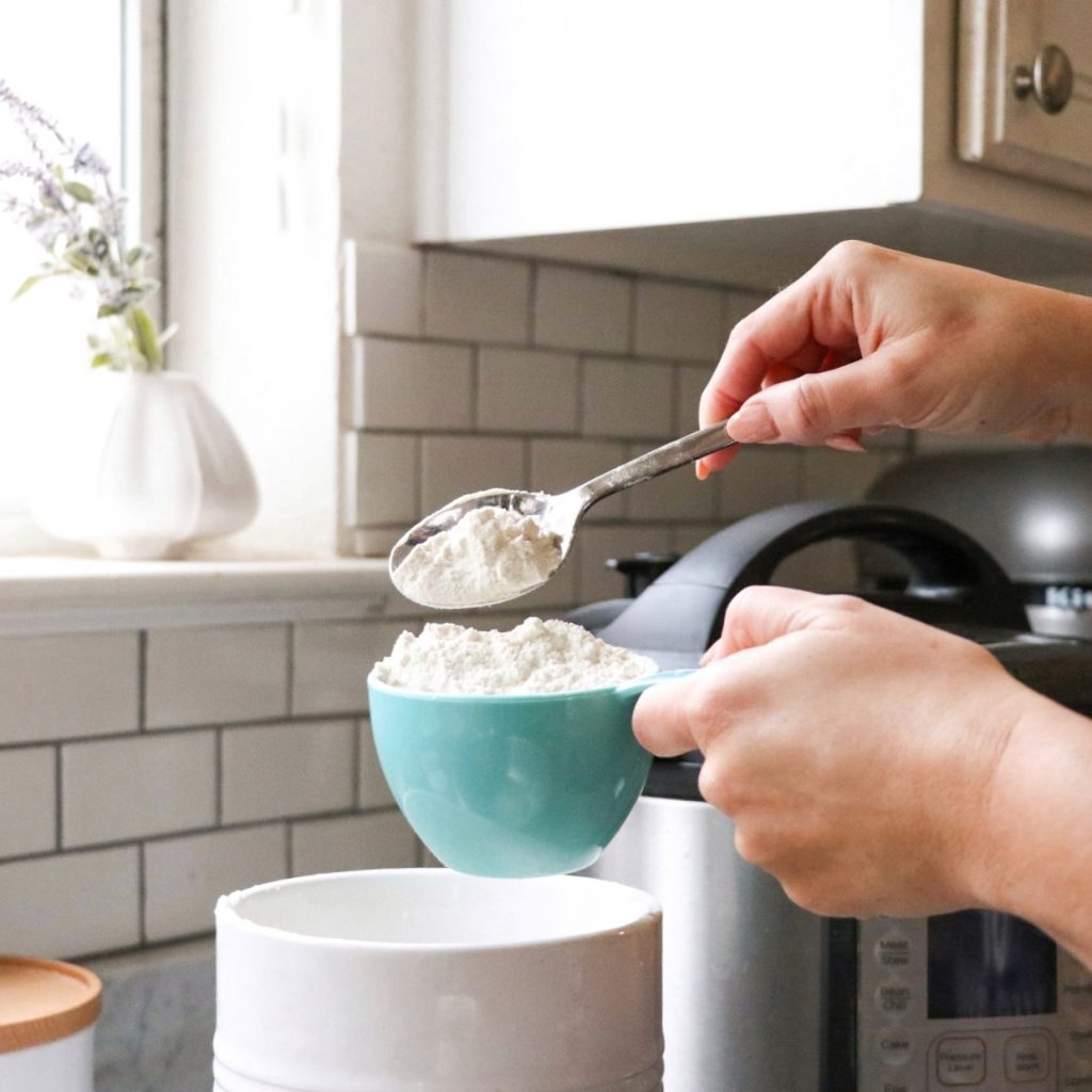 how to properly measure flour to make perfect baked goods in the instant pot or pressure cooker