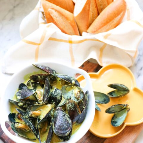 Instant Pot Mussels in Coconut Curry Sauce